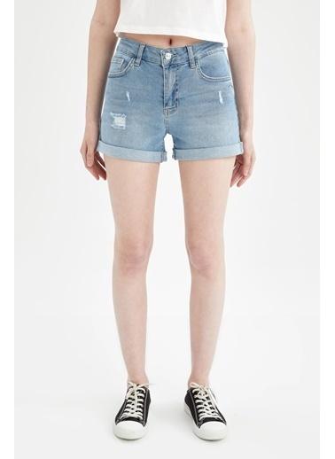 DeFacto Paçası Katlama Detaylı Mini Jean Şort Mavi